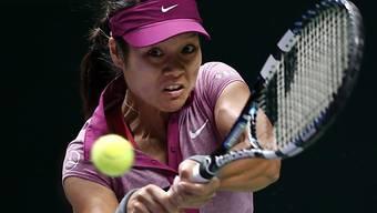 Li Na mit einer beidhändigen Rückhand.