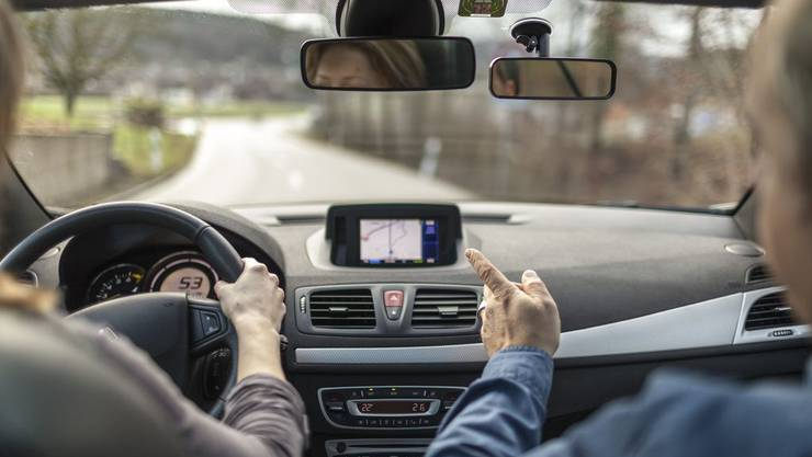Wer zahlt, wenn ein Fahrschüler während der Fahrstunde einen Unfall baut?