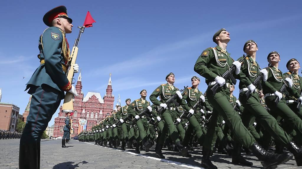 WHO erinnert Russland vor Militärparade an Corona-Gefahr