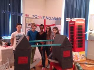 Gruppe England - klassich mit Towerbridge und Telefonzelle