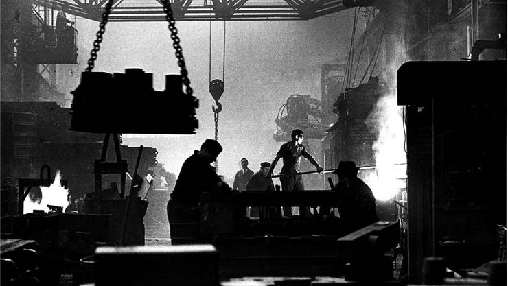 Roland Schneiders Fotografie von der Arbeit in der Von-Roll-Giesserei. zvg/HMO