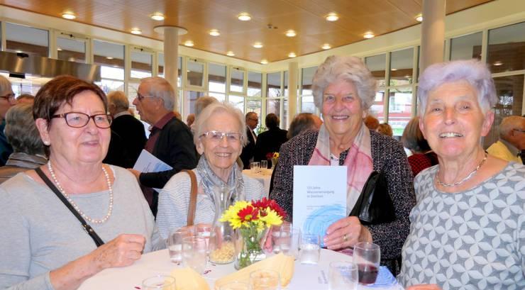 Den Preis beim Quiz hat gewonnen hat   Doris Schaffner. Sie bekam als Geschenk das  Neujahrsblatt 2018.