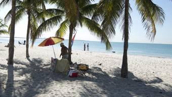 Kleinkredite für Ferien am Palmenstrand dürfen ab nächstem Jahr nicht mehr beworben werden. (Archivbild)