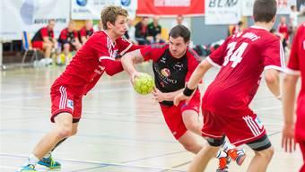 Andreas Stierli (Handball Wohlen) mit vollem Einsatz für den Ligaerhalt. fba