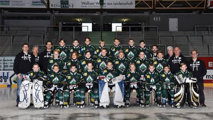 Das Moskito-Team des EHC Olten der Ausgabe Saison 2018/2019 mit ihrem Cheftrainer Wolfgang Haldi (2. von links).