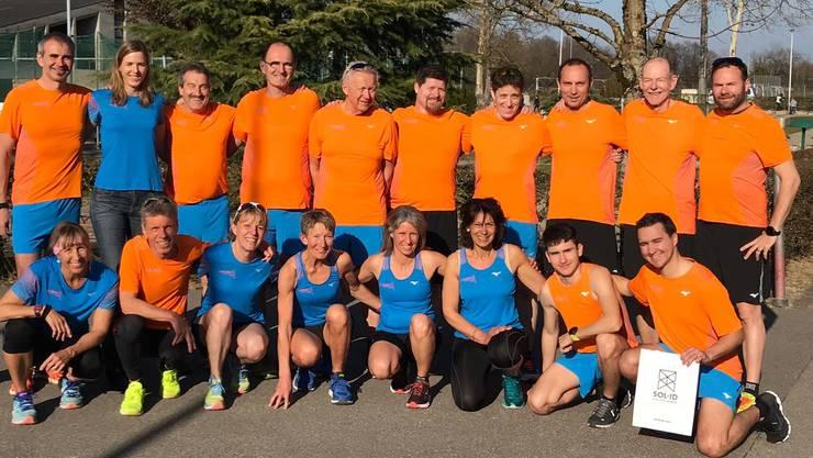 Die Leiterinnen und Leiter der Laufgruppe Solothurn im neuen Dress am Weiterbildungskurs 2019