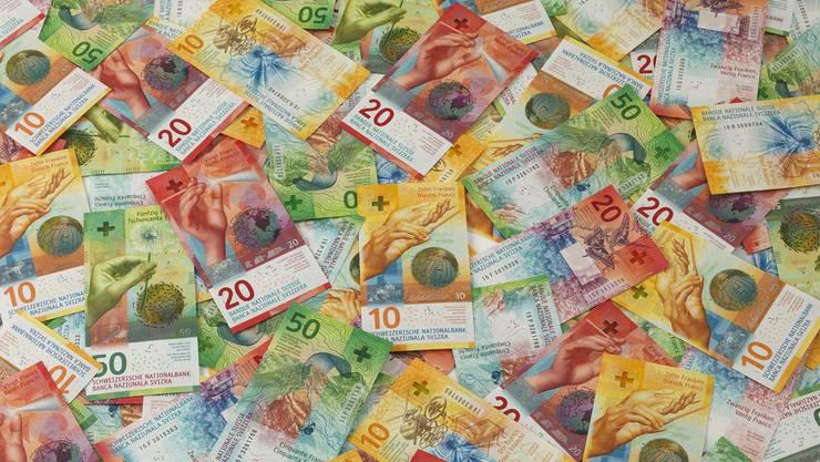 Der Regierungsrat will 252 Millionen in die Ausgleichsreserve einlegen – ein Kässeli für schlechtere Zeiten – und mit zusätzlich 75 Millionen Schulden tilgen.