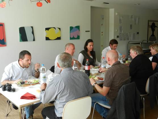 """Mittagessen im """"Kontiki"""" Hamme und Kartoffelsalat"""