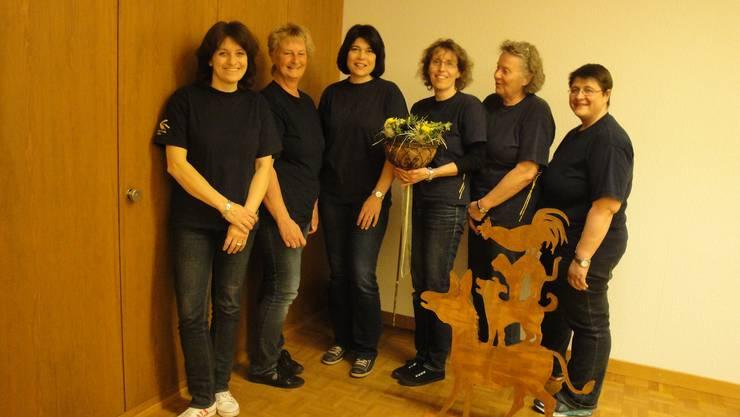 v.l.n.r.: I. Leuenberger (Aktuarin), E. Brunner (Vize/Beisitz), I. Lüscher (Kassierin), B. Lüscher (Präsidentin), L. Mathys (Beisitz), J. Hunziker (verabschiedet)