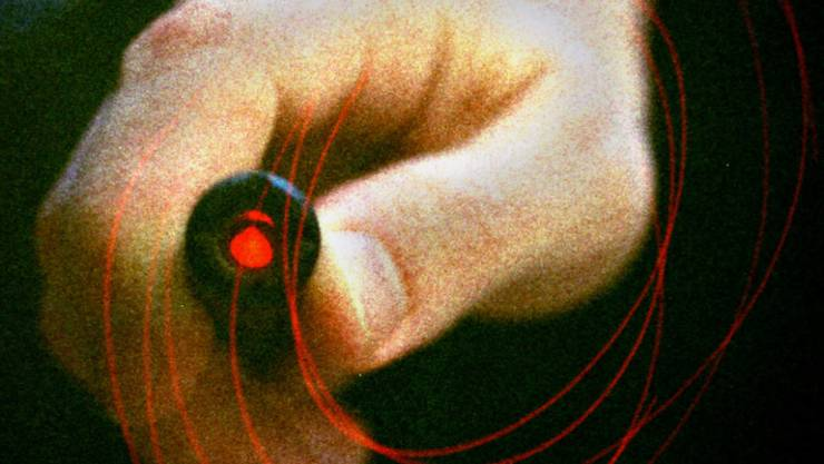 Die missbräuchliche Verwendung von Laserpointern hat in den letzten Jahren immer wieder für Aufsehen gesorgt. Nun soll der Besitz der gefährlichen Laserpointer definitiv verboten werden. (Archivbild)