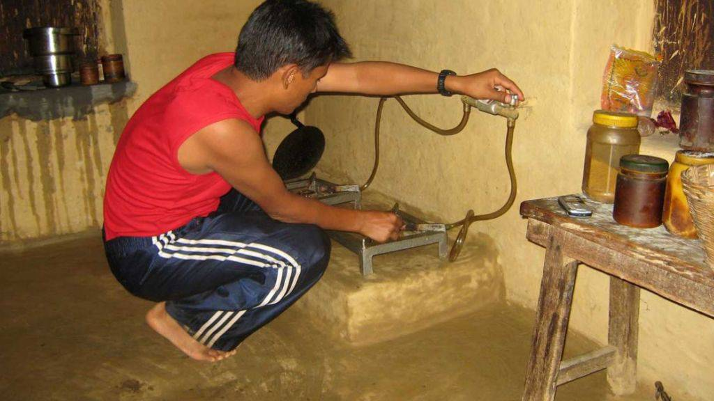 7500 Familien in Nepal wurden gemäss myclimate mit einer Biogasanlage ausgerüstet. Dadurch sind die Familien nicht mehr dem schädlichen Rauch in den Häusern ausgeliefert.