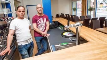 An der Bertastrasse 1 entsteht der Ableger des Restaurants Akropolis Die Brüder Nusret und Ahmet Sazdili betreiben ab Freitag ein Lokal, das gleichzeitig Restaurant und Imbissstube ist