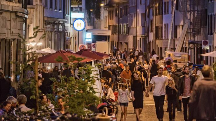 Die Rheinstrasse ist zwar in der Innenstadt, dennoch gilt hier die Lärmempfindlichkeitsstufe II. Die FDP will das mit einer Motion ändern.