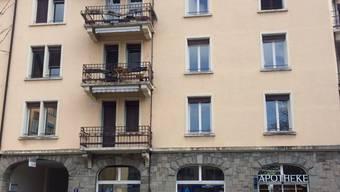 Zum Glück wurden bei dem Unfall nur die Balkone beschädigt.