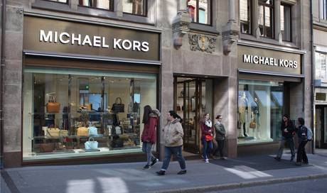 michael kors in basel auf deutsch werden sie hier nicht bedient basel stadt basel bz basel. Black Bedroom Furniture Sets. Home Design Ideas