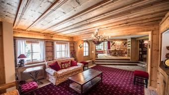 Für diese Luxusvilla am Suvretta-Hang in St. Moritz wird ein Käufer gesucht, der 52 Millionen Franken zu zahlen bereit ist. Der Besitzer, der italienische Unternehmer Carlo de Benedetti, wird sich womöglich gedulden müssen. HO