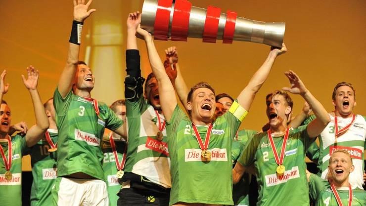 Wiler-Ersigen gewinnt den ersten Supercup im Hallenstadin.