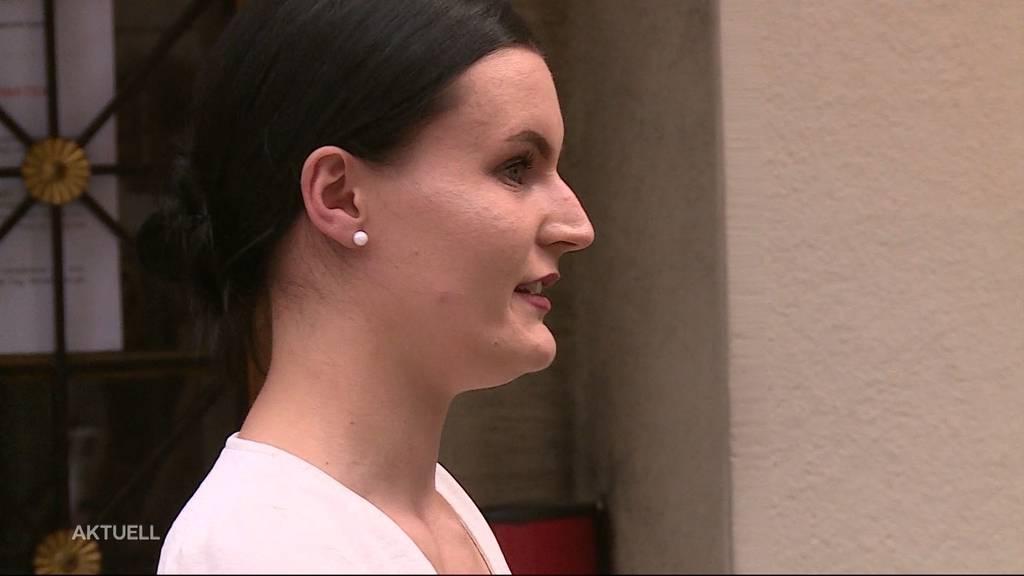 Suhrerin kämpft vor Gericht gegen Corona-Busse