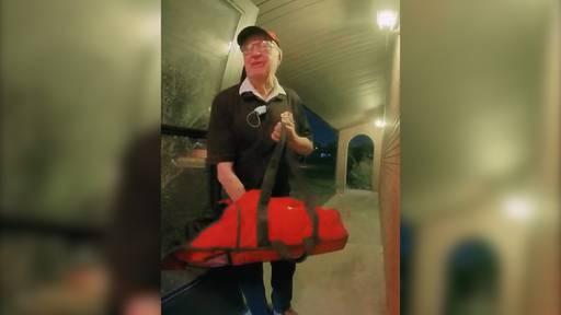 Familie sammelt 12'000 Dollar Trinkgeld für 89-jährigen Pizzaboten