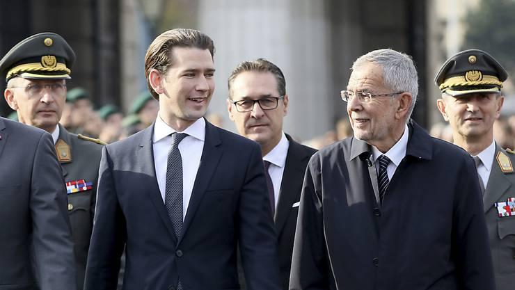 Wollen dem Uno-Migrationspakt nicht beitreten: Österreichs Kanzler Sebastian Kurz (links) und sein Vize Heinz-Christian Strache. (Archivbild)