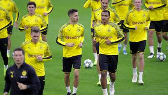 Die Borussen beim leichten Training im Giuseppe Meazza Stadion in Mailand.