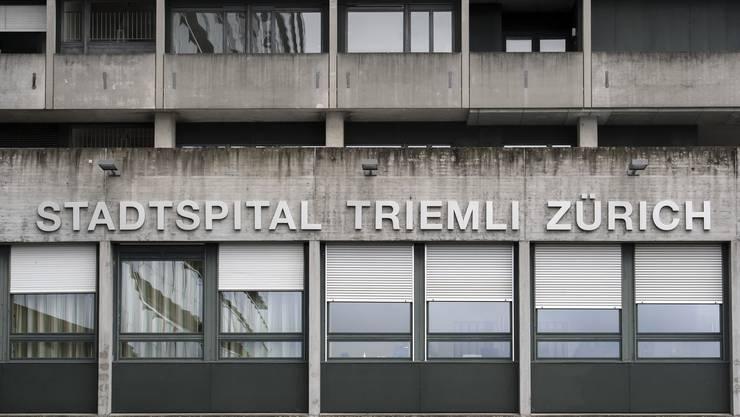 Im Zürcher Stadtspital Triemli werden zwei Verdachtsfälle behandelt. (Archivbild)