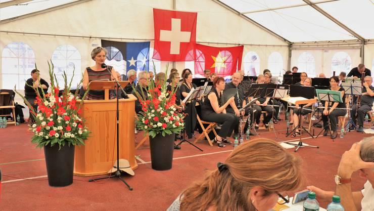 Grossratspräsidentin Renata Siegrist beehrt Wettingen.