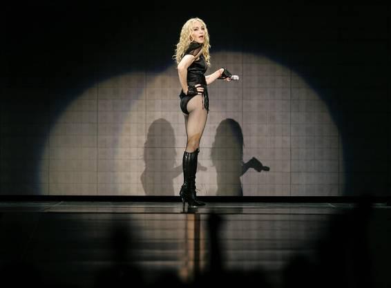 Und die Urmutter des Pop, Madonna, zeigte sich in ihrem letzten Konzert bevorzugt in hohen Stiefeln.