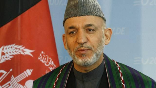 Afghanistans Präsident Hamid Karsai bestätigt erstmals Friedensverhandlungen zwischen USA und Taliban (Archiv)