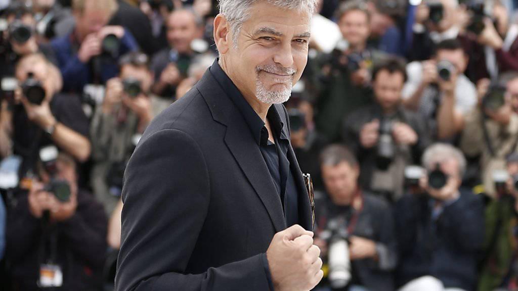 """""""Charme, Persönlichkeit und Engagement"""" - das verkörpert US-Schauspieler George Clooney aus Sicht der französischen Film-Akademie. Sie verleiht ihm einen Ehrenpreis. (Archivbild)"""