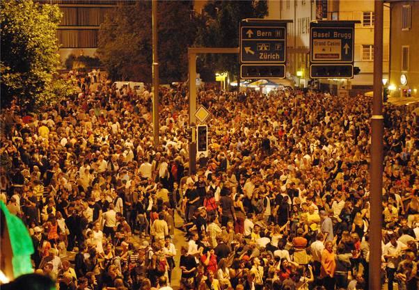 Hunderttausend Besucher jeden Abend –wie 2007 wird die Badenfahrt auch dieses Jahr Menschenmassen anlocken. Az-Archiv