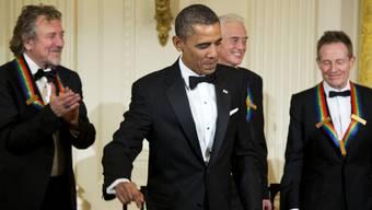 Obama (Mitte) mit Led Zeppelin Mitgliedern