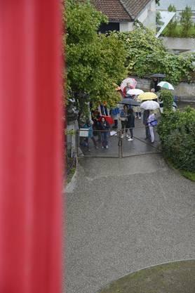 Nicht einmal der Regen konnte die Besucher abhalten.