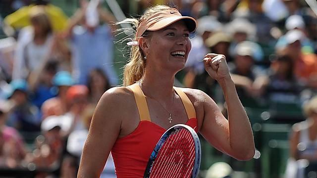 Maria Scharapowa freut sich nach dem Sieg über Caroline Wozniacki