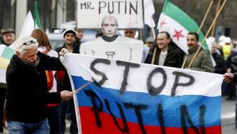 Demonstration in Warschau gegen die russische Besetzung der Krim
