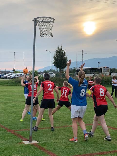 Zum ersten Mal auch bei der Solothurner Meisterschaft mit dabei: Die Niederbipper Korbballerinnen
