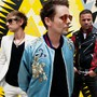 Muse: Das britische Trio um Matt Bellamy (Mitte) ist für seine gnadenlos überdrehte Rockmusik bekannt. Jeff Forney