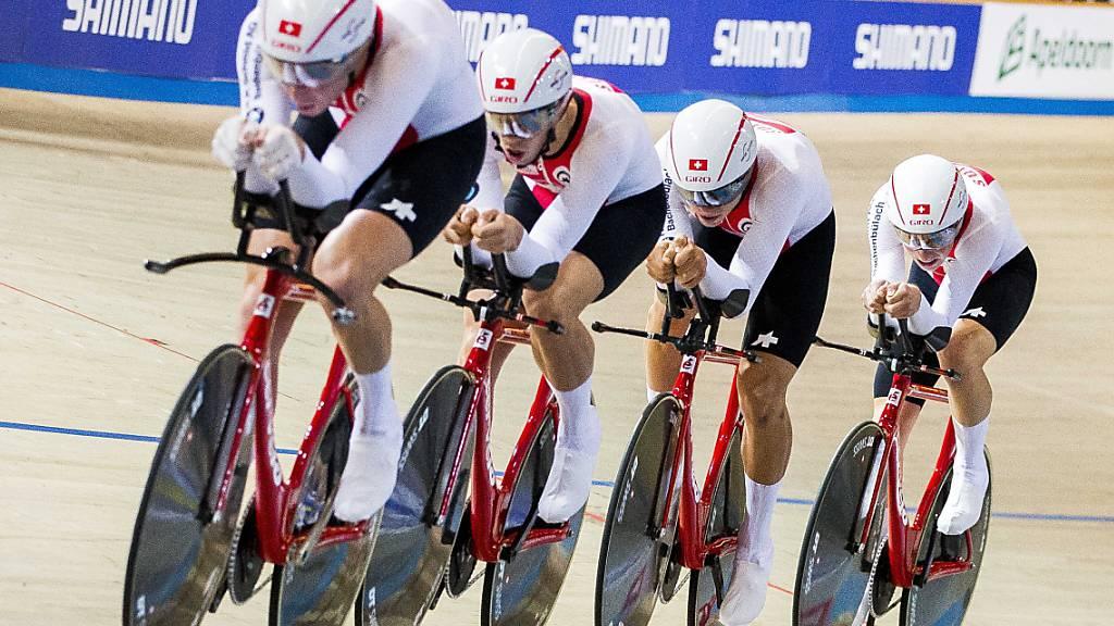 Der Schweizer Bahnvierer - angeführt von Stefan Bissegger (vorne) - will in der Team-Verfolgung olympisches Edelmetall