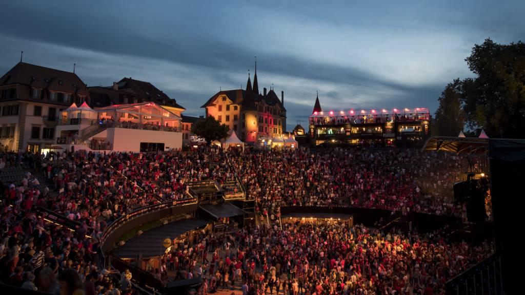 Auch 2021 wird sich das Rock OZ'Arènes in der Arena von Avenches nicht so präsentieren wie vor Corona: Die Ausgabe zum 30-jährigen Jubiläum wurde erneut verschoben. Und: Ob das Festival aus der finanziellen Notlage herausfindet, bleibt weiterhin offen. (Archivbild)