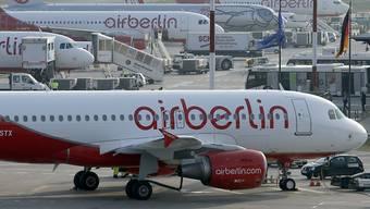 Der Ausfall zahlreicher Flüge kostet Air Berlin gemäss einer Aussage des Unternehmenschefs mehrere Millionen Euro. (Archiv)