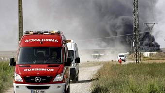 Rauch steigt auf nach der Explosion des Werks in der Nähe von Saragossa.