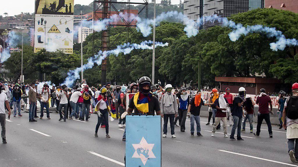 Venezuela kommt nicht zur Ruhe: Erneute Zusammenstösse von Demonstranten mit Sicherheitskräften.