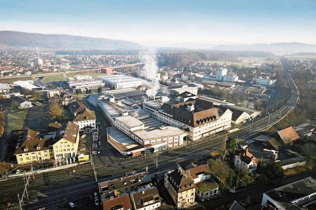 Hinter dem Bahnhof wuchs die Hero AG vom Familienbetrieb zum Nahrungsmittelkonzern, dessen Konfitüre den Brand «Hero Lenzburg» in die ganze Welt hinaustrug.