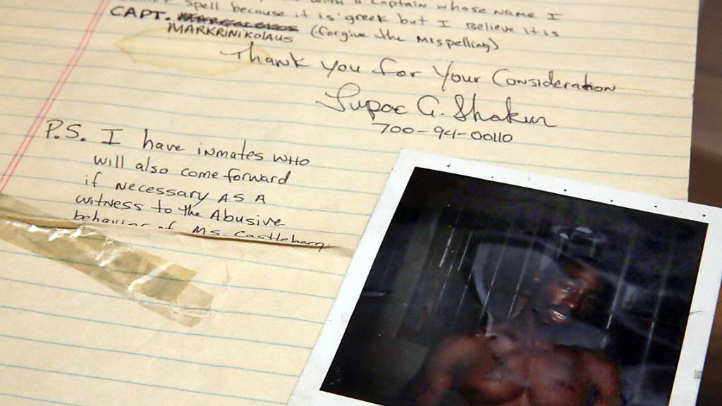 Der US-Popstar Madonna hat die Versteigerung von persönlichen Gegenständen - wie intime Briefe von Lovern oder Unterwäsche - gestoppt.