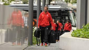 Sie sind da: Die Ankunft des FC Liverpool im Team-Hotel in Basel
