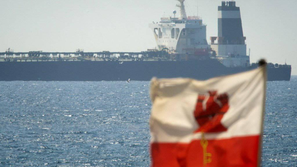 """Der Öltanker """"Grace 1"""" ist seit Donnerstag vor Gibraltar gestoppt. Grossbritannien hegt den Verdacht, dass der Supertanker illegal iranisches Öl nach Syrien bringen wollte. Iran hat die sofortige Freigabe des Schiffes gefordert und spricht von einem """"Akt der Piraterie""""."""