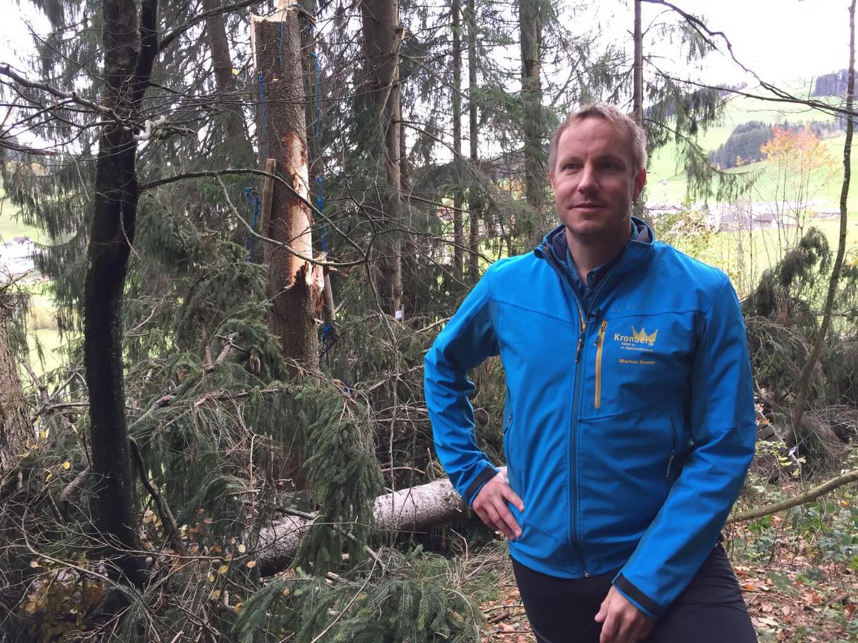 Markus Koster im zerstörten Seilpark Kronberg