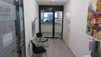 Der Schalter- und Eingangsbereich der Regionalpolizei Bremgarten wird zukünftig mit Kameras überwacht werden dürfen.