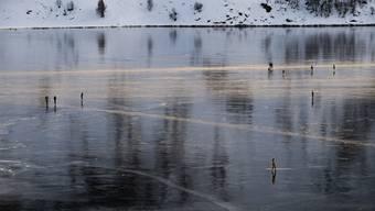 Schwarzeis auf dem Silsersee.
