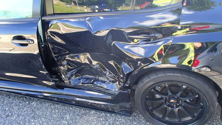 Buchs AG, 23. Juni: Beim Autobahnanschluss T5 in Buchs prallten am Sonntag zwei Fahrzeuge zusammen. Personen wurden nicht verletzt. Eine Volvo-Fahrerin aus der Innerschweiz dürfte den Vortritt missachtet haben.
